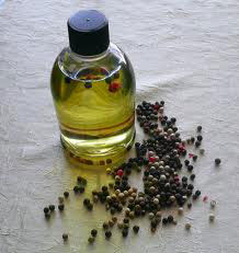 BLACK PEPPER OIL - Rakesh Sandal Industries
